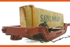 Saint Gobain châssis couleur rouille